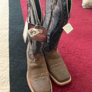 Ariat Boots for sale size 6.5 never used.
